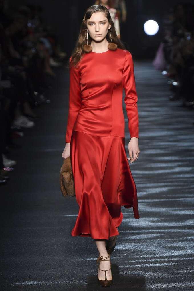 красное платье 2