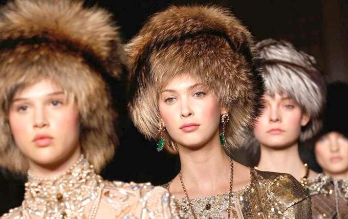 Модні моделі хутряних шапок сезону 2016-2017