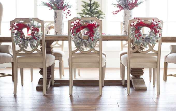 стулья с ленточками