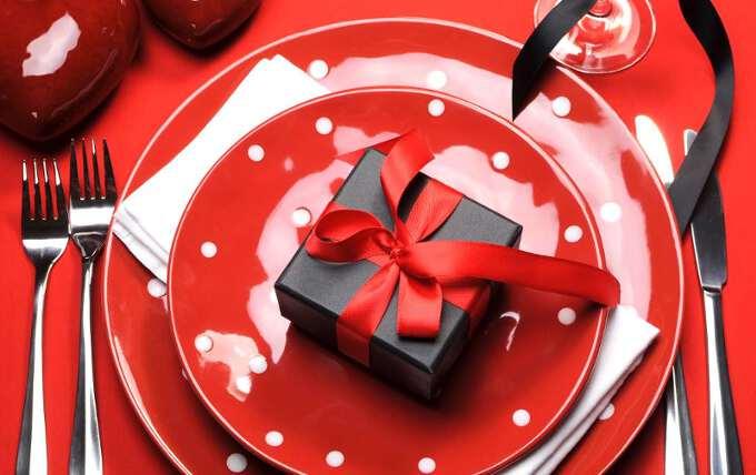 Як вибрати, що подарувати дружині на Новий рік 2017?