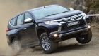 Mitsubishi Pajero Sport едет по бездорожью