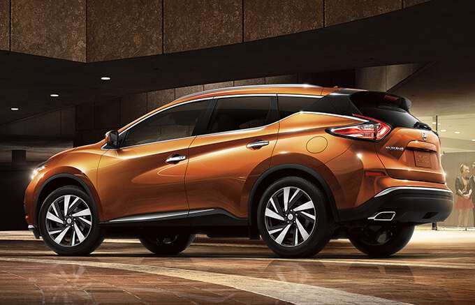 задний вид на Nissan Murano 2017 года