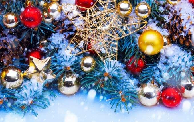 новогодние игрушки и украшения