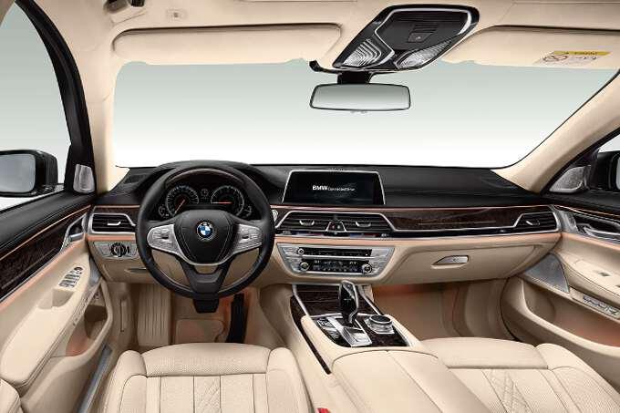 приборная панель BMW 5 series