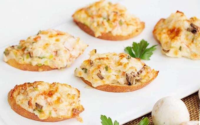 бутерброд с грибной пастой