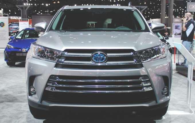 передние фары Toyota Highlander