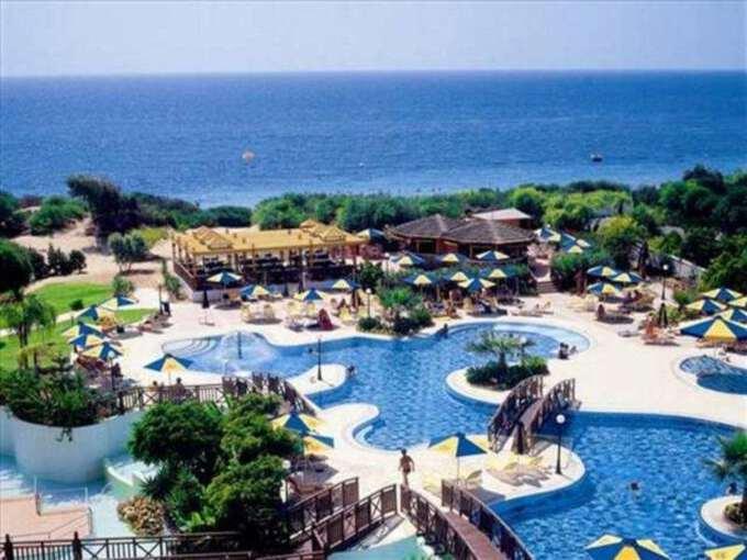 бассейн отеля Мелисси