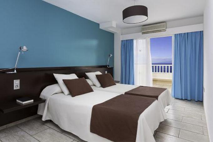 Номер отеля Aparhotel Los Dragos del Sur