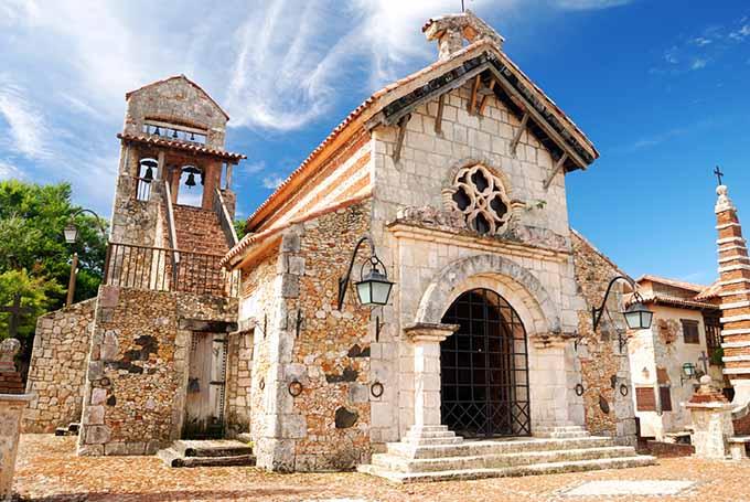 старинная церквушка