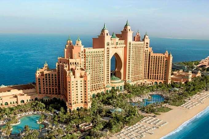 2017 for Dubai best hotel name