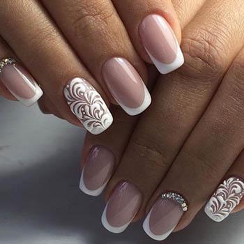 Фото дизайна ногтей с френчем