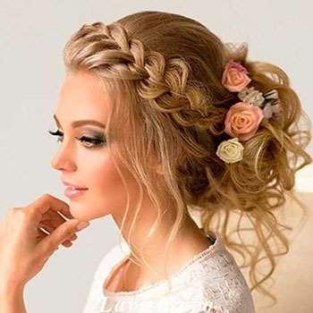 Пучок с цветами и плетением
