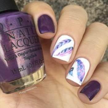рисунок с перьями фиолетовый