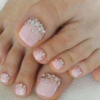 розовый лак с блестками